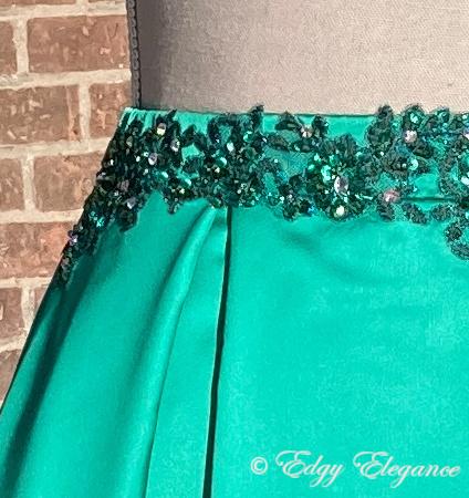 Satin_skirt_green_embroidery2