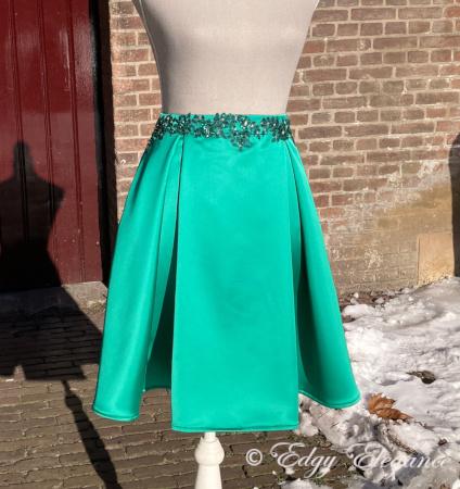 Satin_skirt_green_full_length