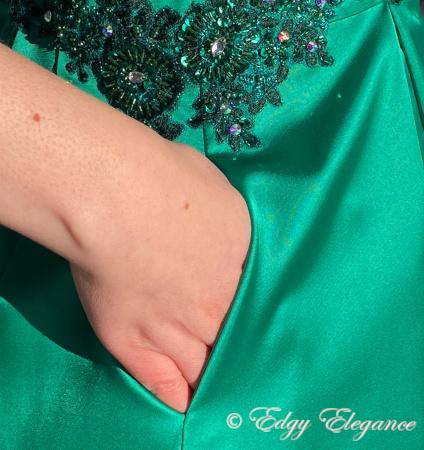Satin_skirt_green_pocket