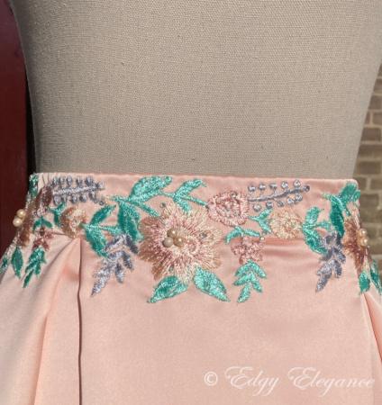 Satin_skirt_pink_close_up_4