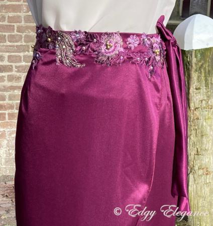 wrap_skirt_purple_close_up3