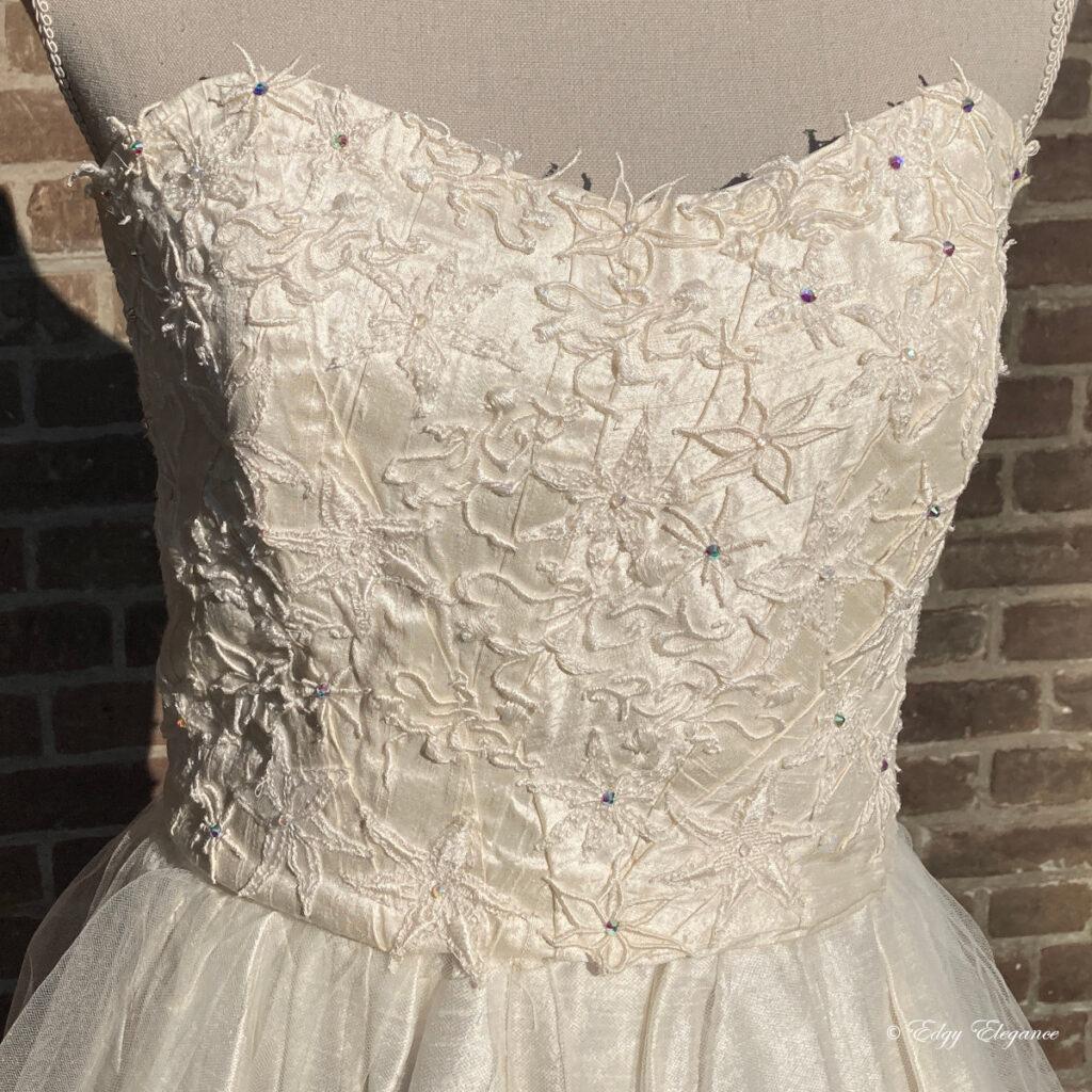bridal_corset_silk