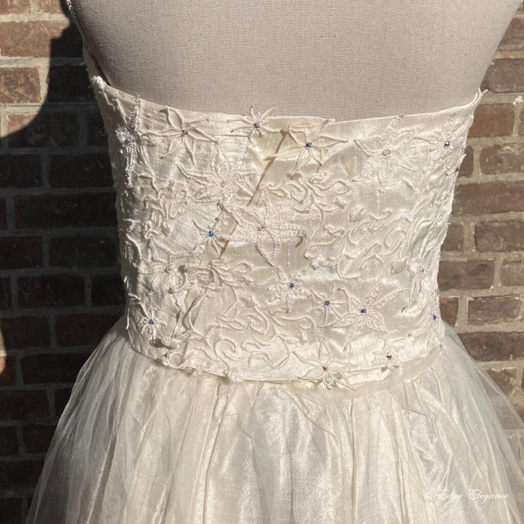 bridal_corset_silk_back