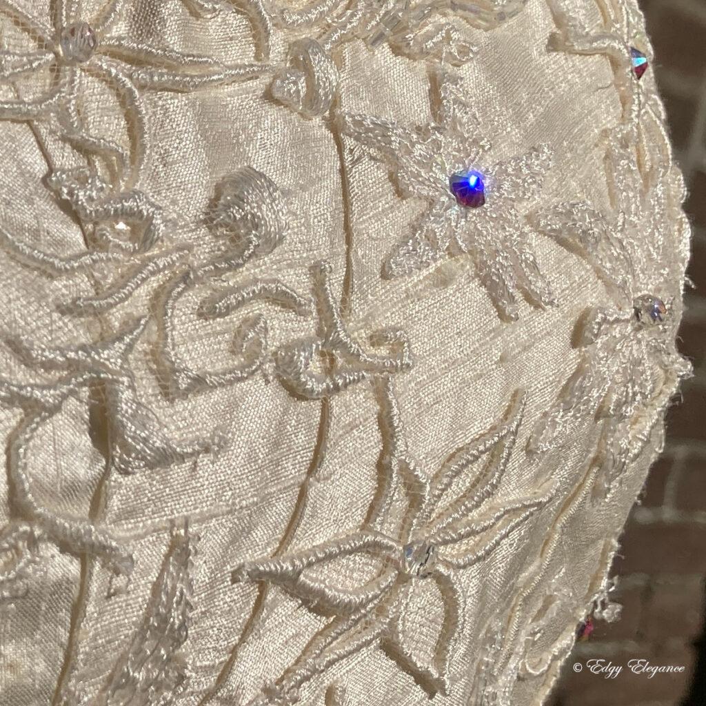 bridal_corset_silk_close_up